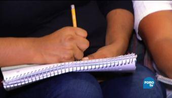 Mujeres migrantes EU aprenden a leer