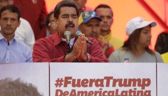 Maduro ordena investigar opositores que apoyan amenaza militar Trump