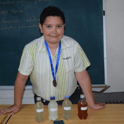Niño mexicano inventa removedor de graffiti a base de nopal