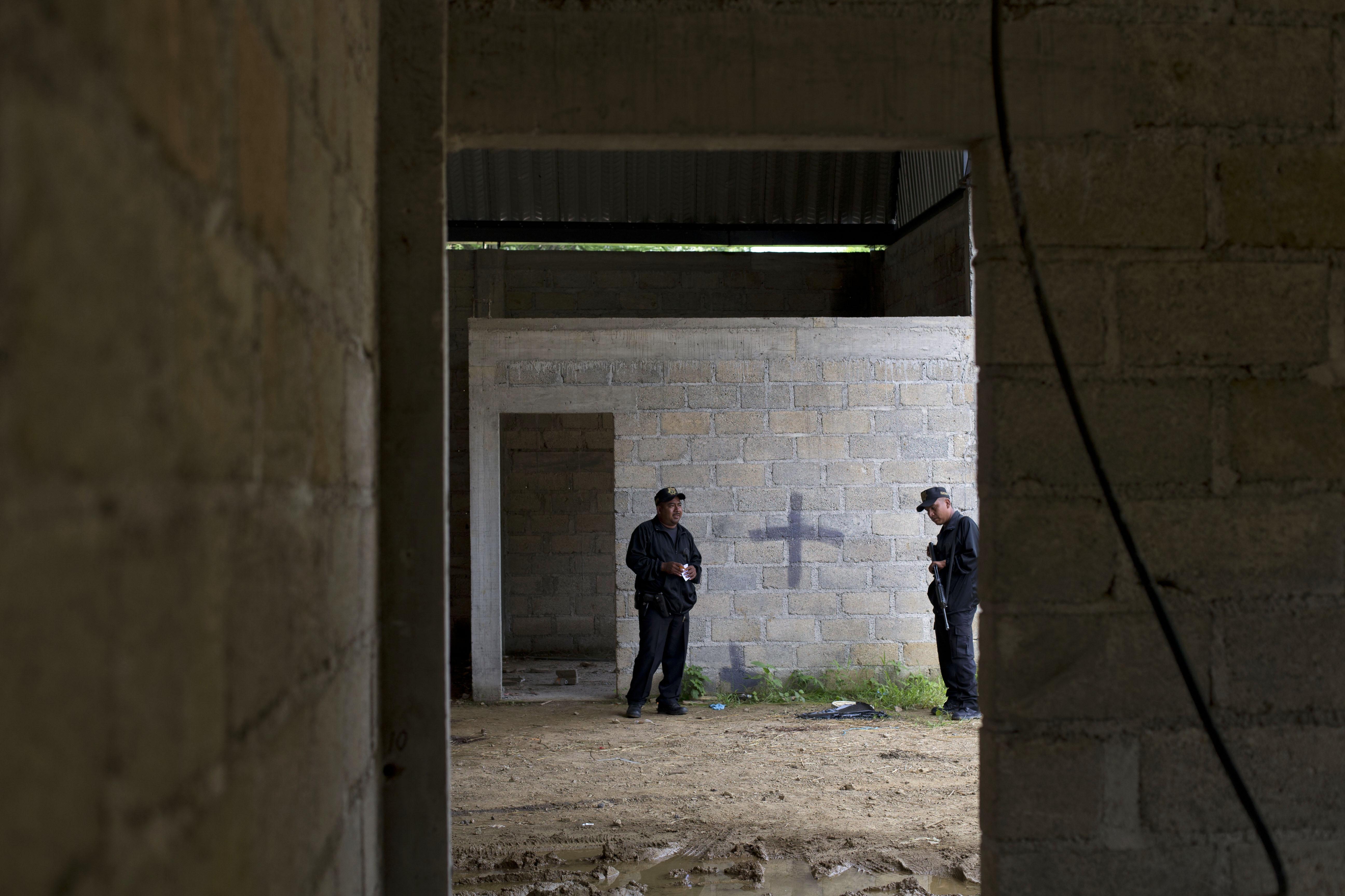 Juez federal ordena a la PGR ampliar investigación sobre el caso Tlatlaya
