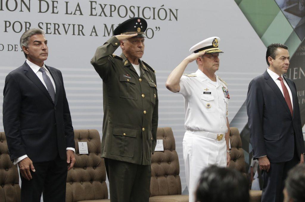 Inauguran exposición de las Fuerzas Armadas en Puebla
