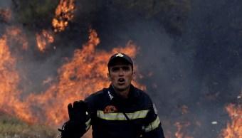 Incendios forestales cerca de Atenas no ceden