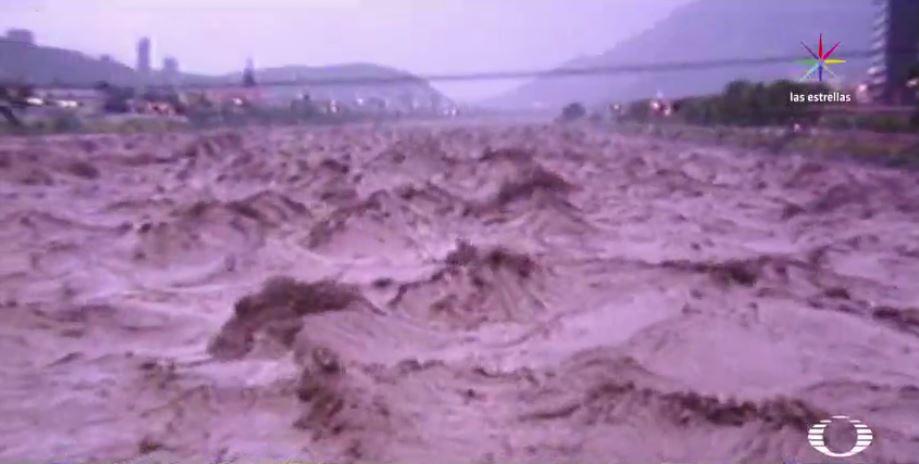 Río Santa Catarina en Nuevo León tras el paso del huracán Gilberto