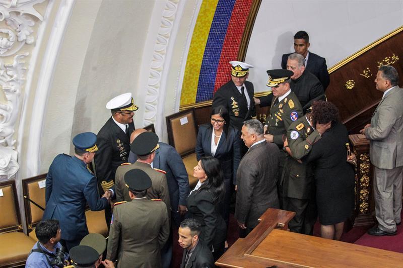 Se enfrentan Congreso de Venezuela y Asamblea Constituyente