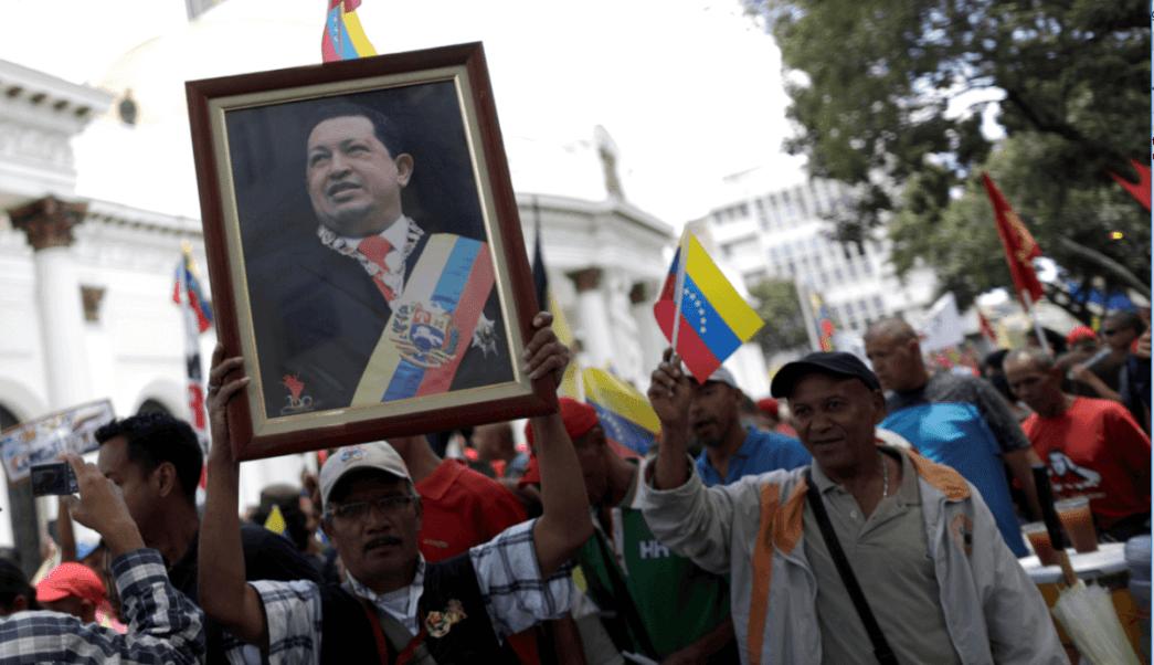 Simpatizantes de Maduro apoyan a la Constituyente