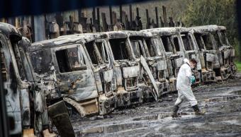 encapuchados atentan contra autobuses en chile