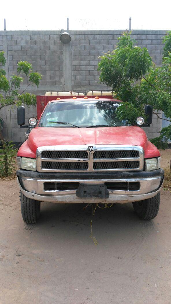 Vehículo asegurado con gasolina en Navolato