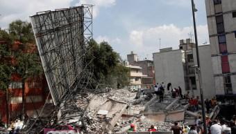 Escombros de un edificio colapsado en Torreón y Viaducto, CdMx