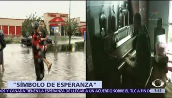 Pastor Houston Toca Piano Casa Inundada