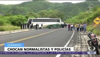 enfrentan, normalistas, Ayotzinapa, policías