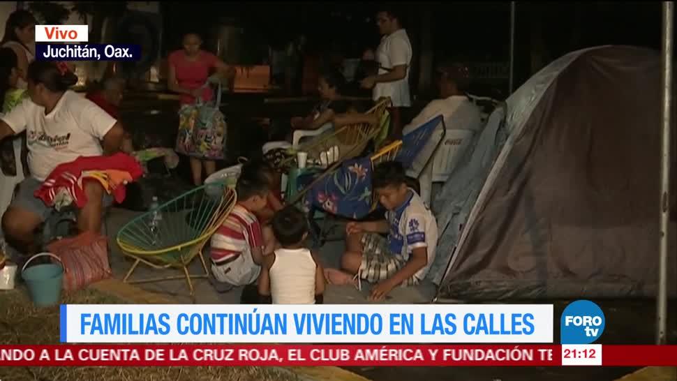 Familias oaxaqueñas siguen viviendo en las calles tras sismo