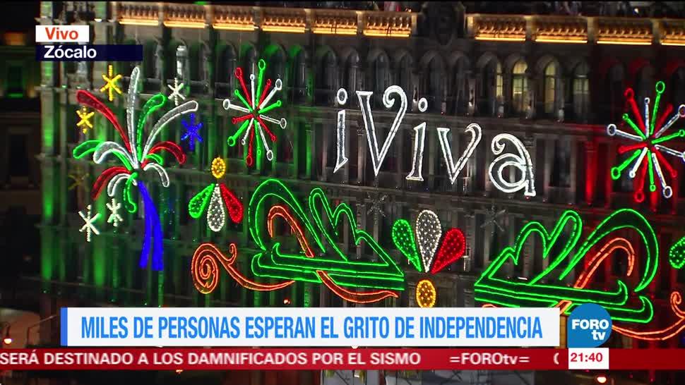 Miles de personas esperan el Grito de Independencia