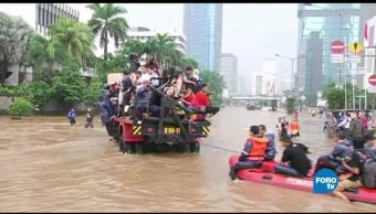 Yakarta se hunde proponen reubicar la capital
