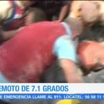 Rescatistas trabajan para rescatar atrapados por el sismo en la del Valle