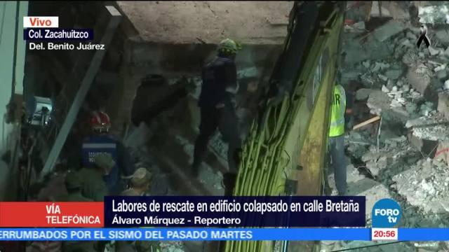 Localizan cuerpo de una mujer en edificio de calle Bretaña