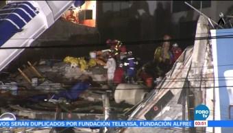 Rescatistas españoles recuperan cuerpos en Álvaro Obregón 286