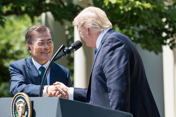 Moon y Trump acuerdan aplicar las sanciones de la ONU a Norcorea