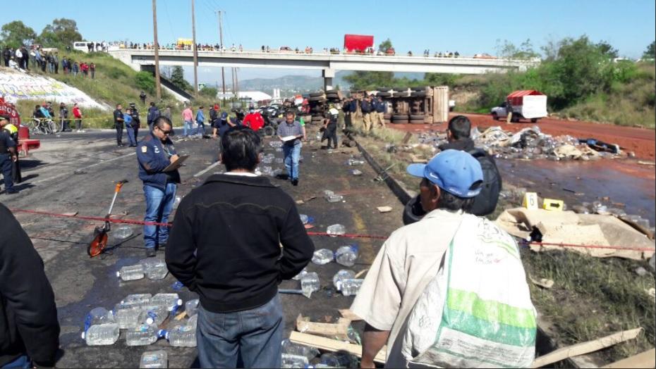 choque provoca dos muertos y 4 heridos