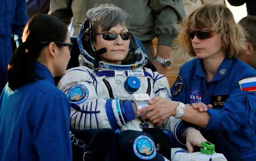 Astronauta rompe récord de más tiempo en el espacio para una mujer