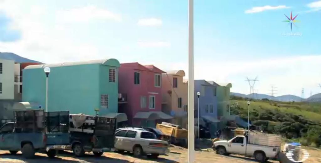 Constructoras cobran millones por viviendas que nunca hicieron para damnificados en Guerrero