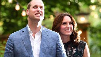 duques cambridge anuncian esperan tercer hijo