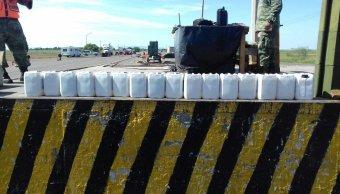 Ejército decomisa 16 galones de metanfetaminas