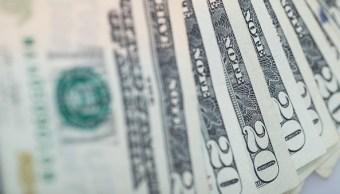 El dólar cierra en 18.13 pesos a la venta