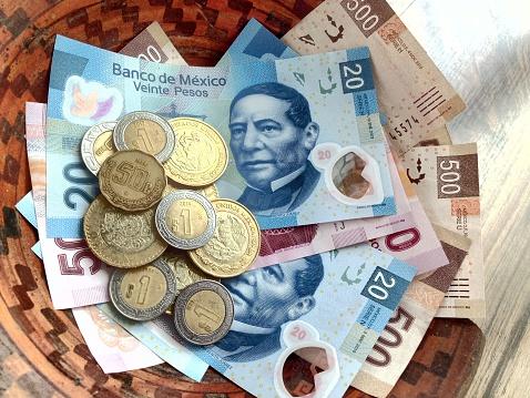 El peso mexicano se deprecia tras datos de Estados Unidos