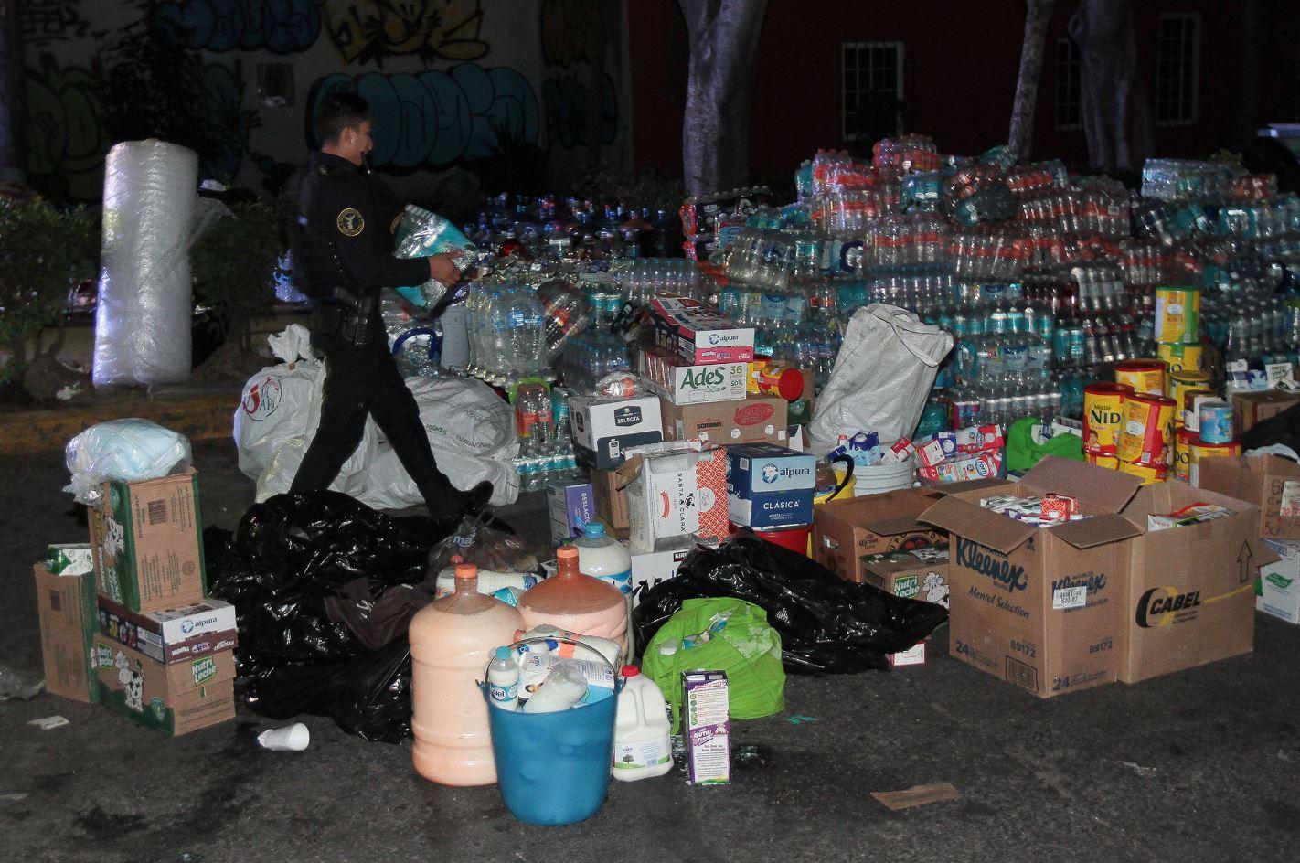 Abren Centros De Acopio Para Damnificados Del Sismo En Cdmx  # Muebles Cuicuilco