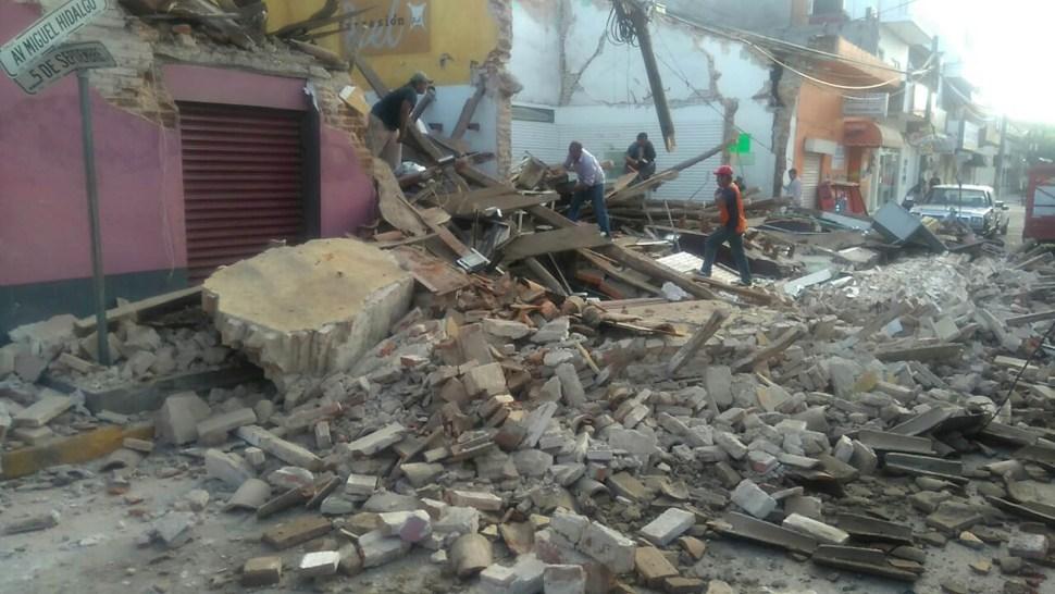 Escombros del palacio municipal de Juchitán, Oaxaca, tras sismo