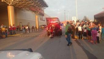 Evacuan a 300 personas por fuga de amoniaco en Torreón, Coahuila