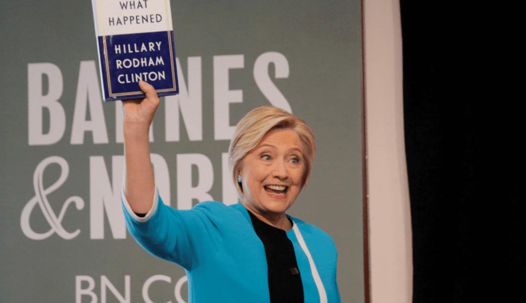 Hillary Clinton durante la presentación de su libro