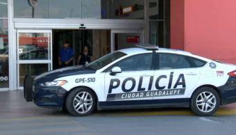 Hombres armados asaltan joyería en Nuevo León