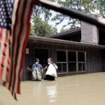 Van 70 muertos inundaciones Harvey Texas