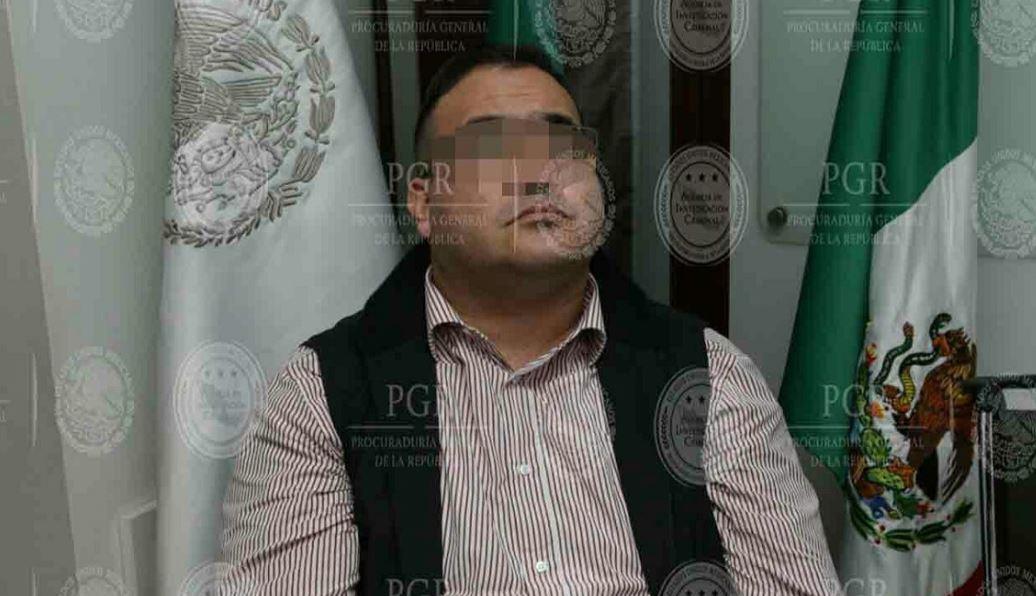 Ejecutan dos órdenes de aprehensión más contra Javier Duarte