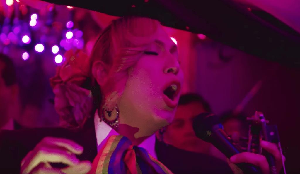 música tradicional mexicana, mujer transgénero, mariachi gay, comunidad LGBT