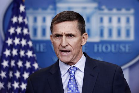 Demócratas piden investigar viaje a Medio Oriente de exasesor de Trump