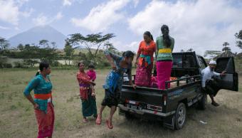 Miles de personas han sido evacuadas en Bali, ante el riesgo de erupción