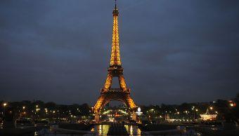 Construyen muro cristal prueba balas Torre Eiffel