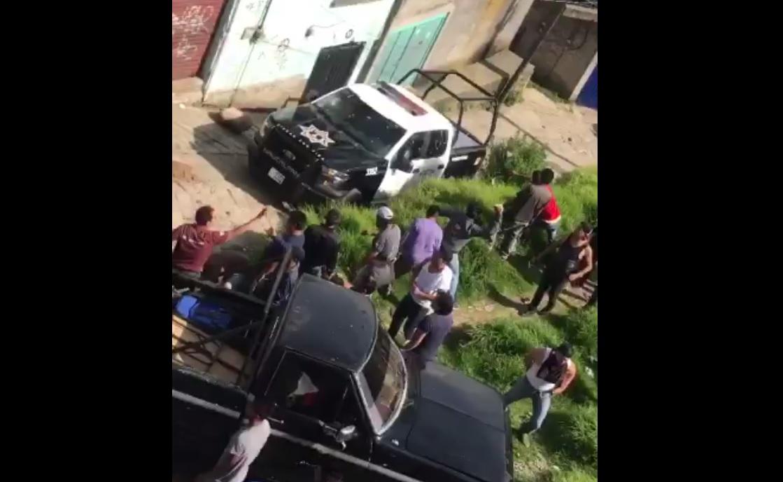policias rescatan dos presuntos secuestradores ser linchados naucalpan