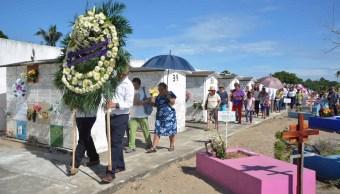 Exhumarán 800 cuerpos del cementerio municipal de Veracruz