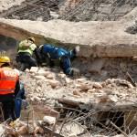 personal de rescate retiran escombros tras sismo en oaxaca
