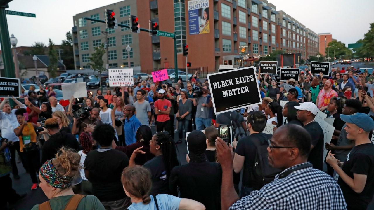 Protestas Saint Louis Missouri exoneración policía blanco