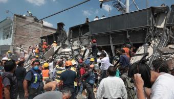 Suman cuatro muertos por sismo en la CDMX