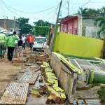sismo provoca caida de bardas en chiapas