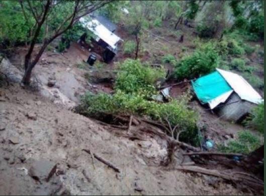 tres personas mueren por un deslave en Oaxaca