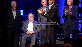 Cinco expresidentes de EU se reúnen en evento para damnificados de huracanes