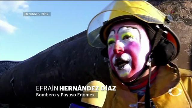 Efraín Hernández, el bombero-payaso del Edomex