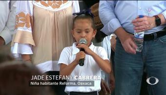 Niña pide ayuda para reconstruir su escuela en Oaxaca