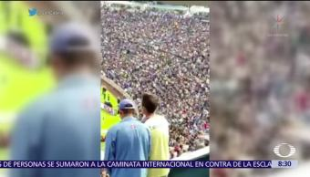 Americanista narra gol a su amigo invidente seguidor del Cruz Azul